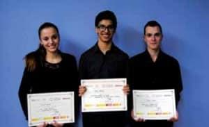 Los ganadores de los tres primeros premios de Grado Profesional