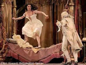 Anna Netrebko es Norina y John del Carlo, Don Pasquale
