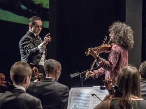 El violinista Ara Malikian y la Partiture Philarmonic Orchestra