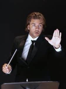El director español Daniel Abad que interpretará Tutto Beethoven junto a Zhang.