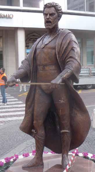 Estatua dedicada a Mario del Monaco en Treviso