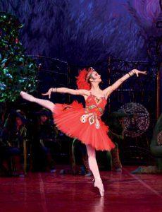 Alexandra Timofeyeva como el pájaro de fuego en el London Colliseum.