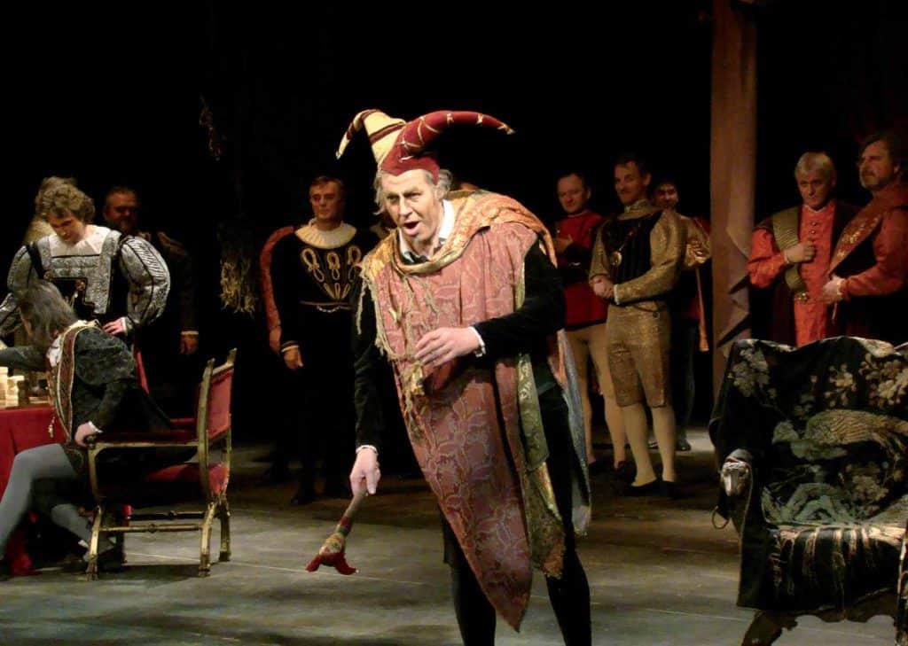 El bufón Rigoletto en una de las escenas de la obra