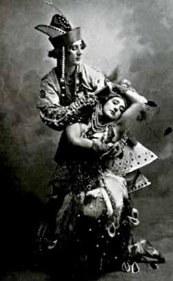 Mikhail Fokine como el príncipe Iván y Tamara Karsavina como el pájaro de fuego.