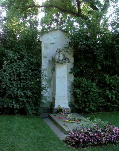Tumba de Johannes Brahms en el Cementerio Central de Viena