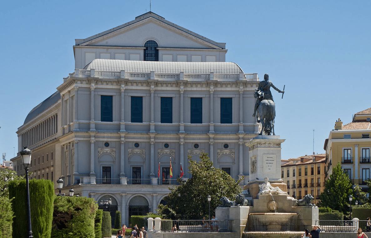 Teatro Real, lucha por un coliseo de la ópera