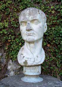 Busto de Cayo Cilnio Mecenas, localizado en Coole Park, Co Galway (Irlanda).
