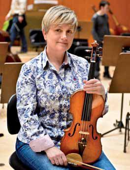 La viola solista de la OSRTVE María Teresa Gómez Lozano.