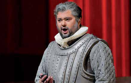 Como Leicester, de Maria Stuarda. 2016. Ken Howard-Metropolitan Opera.