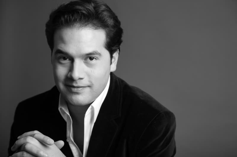 Robert Treviño