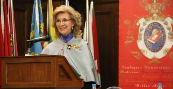 María Rosa Calvo-Manzano ingresa en la Real Academia de Doctores