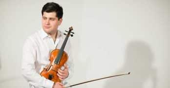 Mikhail Pochekin de gira con grandes orquestas rusas
