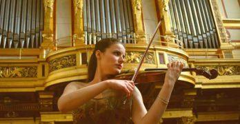Anna María Badia gana el Concurso Internacional Inter Cordes de París