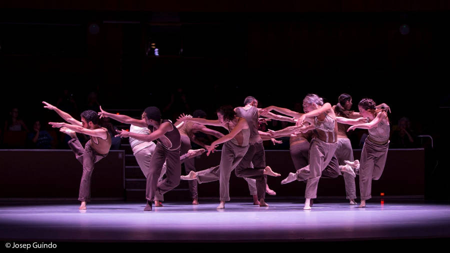 Crea Dance Company lleva su 'Carmina Burana' al Maestranza