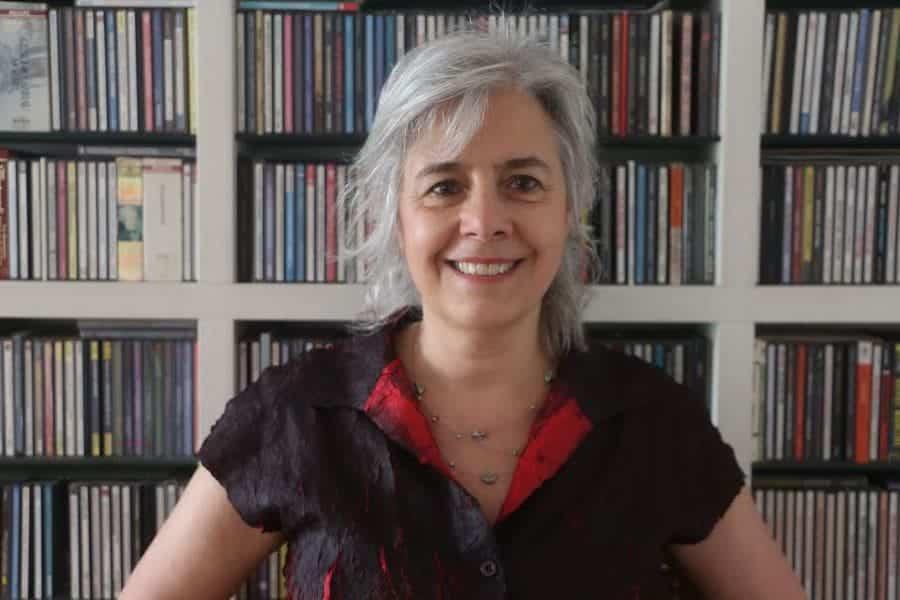 Se presenta el libro 'Conversaciones en la calle de los pianistas' de Sandra de la Fuente