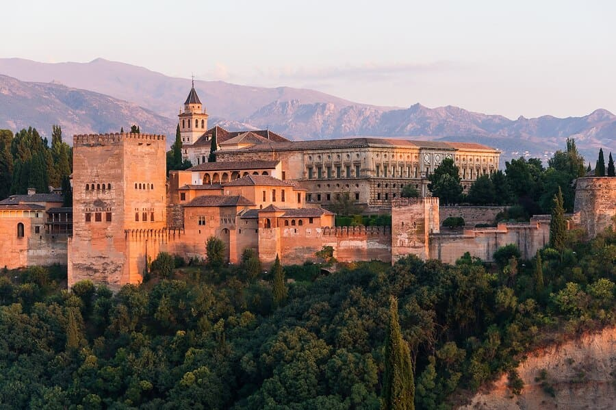 Festival-Granada-trabaja-con-ilusion-para-celebrar-festival-especial