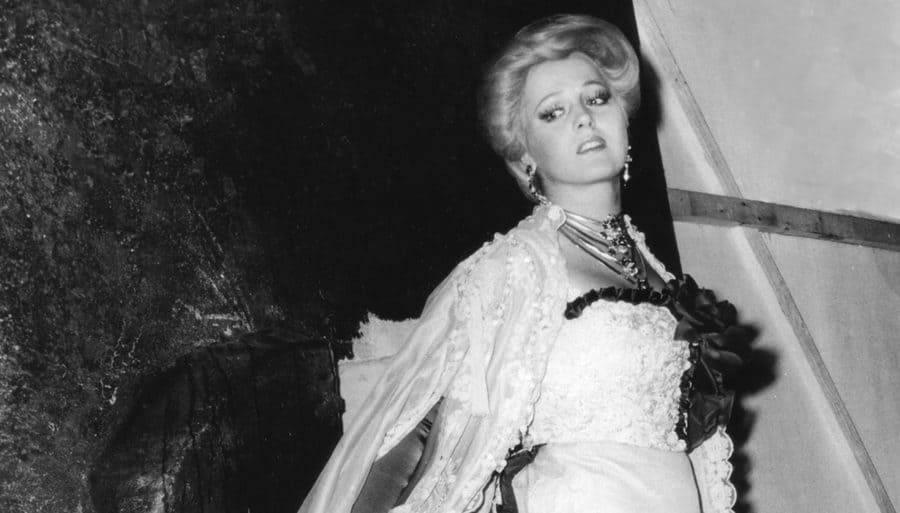 Katia Ricciarelli en La traviata en 1979 © Bisazza Fondazione Arena