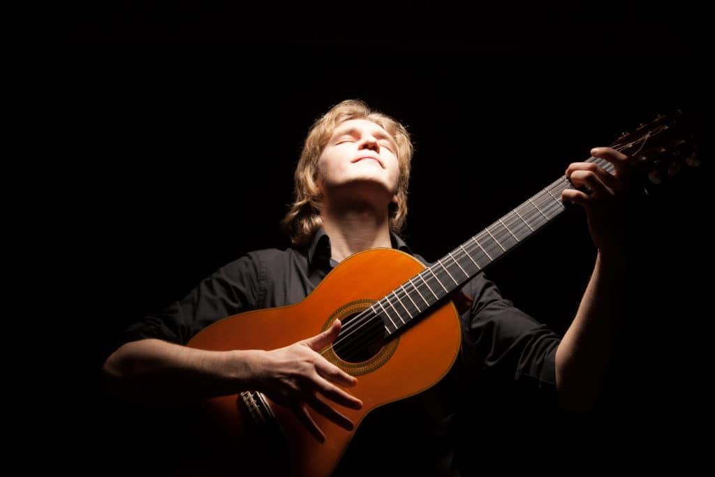 Roman Zorkin gana el Concurso de Guitarra Clasica 'Ángel Piñero' 2020
