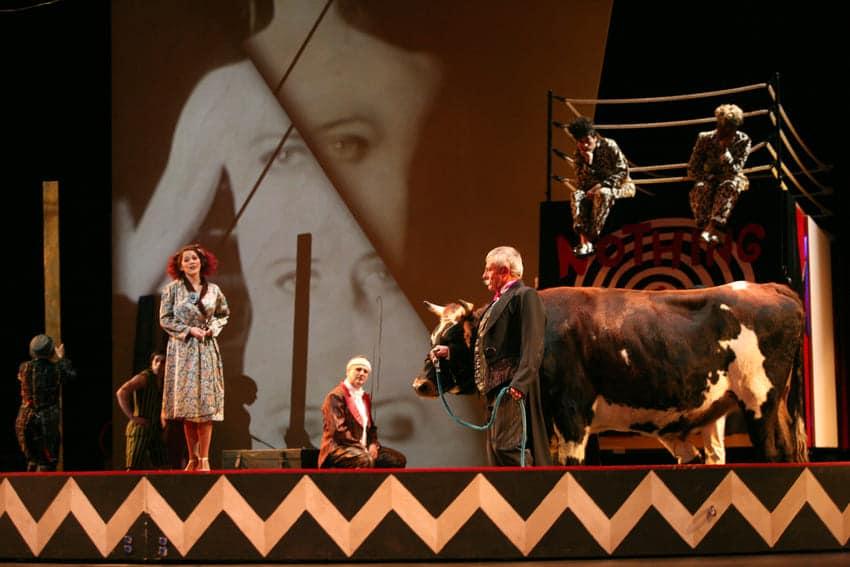 Les mamelles de Tirésias en la Opéra de Lyon, 2010