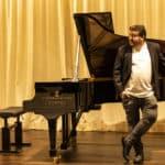 Francisco Escoda en Hinves Pianos © Elena Castro