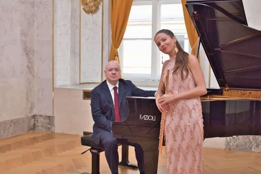 Elisabet Franch y Albert Guinovart durante la grabación en el Bank Austria Salon Im Alten Rathaus