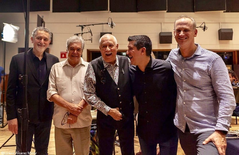 Hernández-Silva y Pacho Flores estrenan de Salseando, de Roberto Sierra, con la OSRM