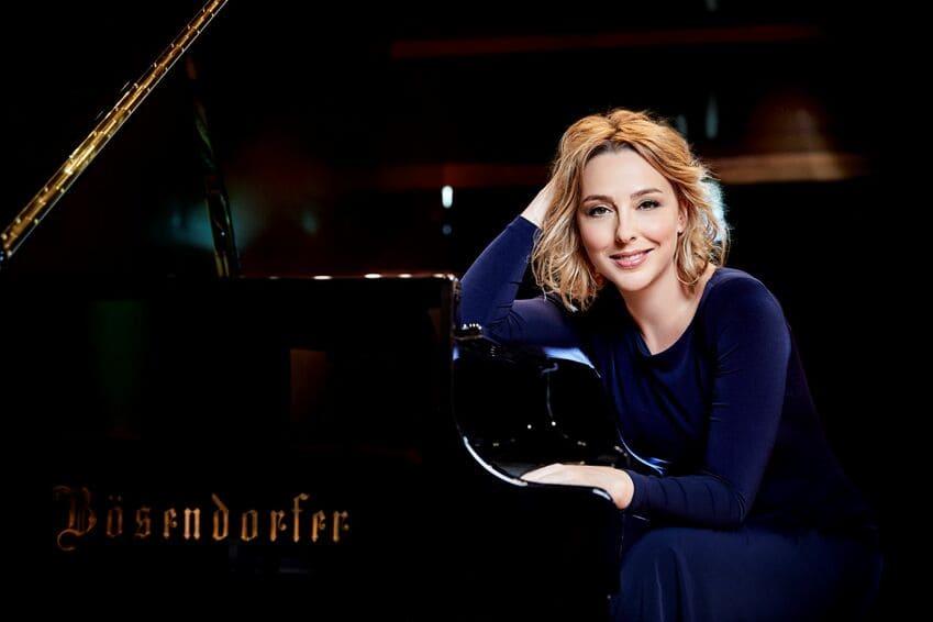 Judith Jáuregui toca Mozart junto a la Orquesta Sinfónica Radiotelevisión Española