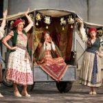 Il turco in Italia, Garsington Opera, 2017.