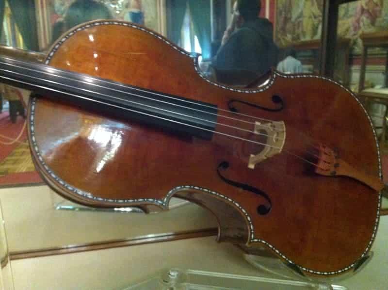 Violonchelo Antonio Stradivari, 1694.