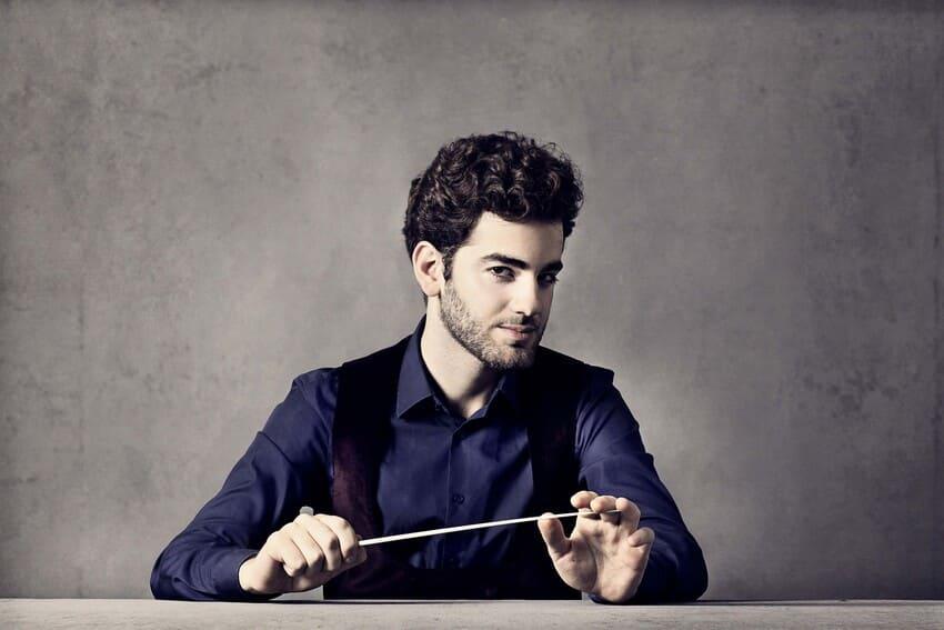 La ORTVE interpreta a Tjeknavorian y Ravel