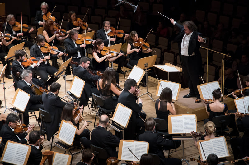 Dirigiendo a la Orquesta Nacional de España © Rafa Martín