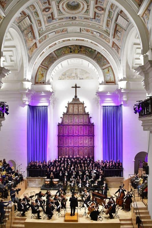 Orquesta y Coral Ciudad de Baeza y Agrupación Coral Ubetense en el Hospital de Santiago de Úbeda, concierto inaugural del FeMAUB 2019