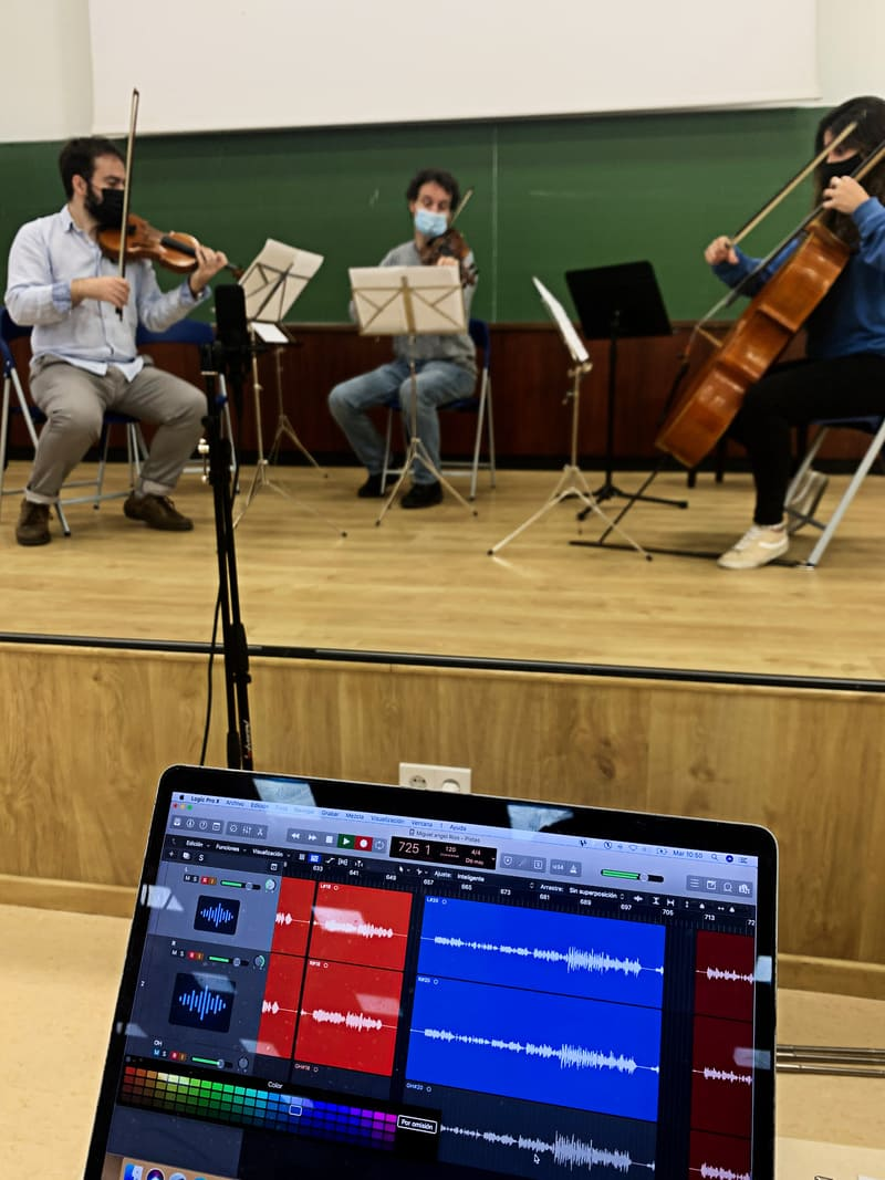 Sesión de grabación de la música incidental para el auto sacramental 'El hospital de los locos', realizada por SONOLAB (Laboratorio Sonoro del Departamento de Musicología de la UCM), como parte de un proyecto de investigación