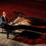Nikolai Lugansky, traductor de la maestría del violín, al piano