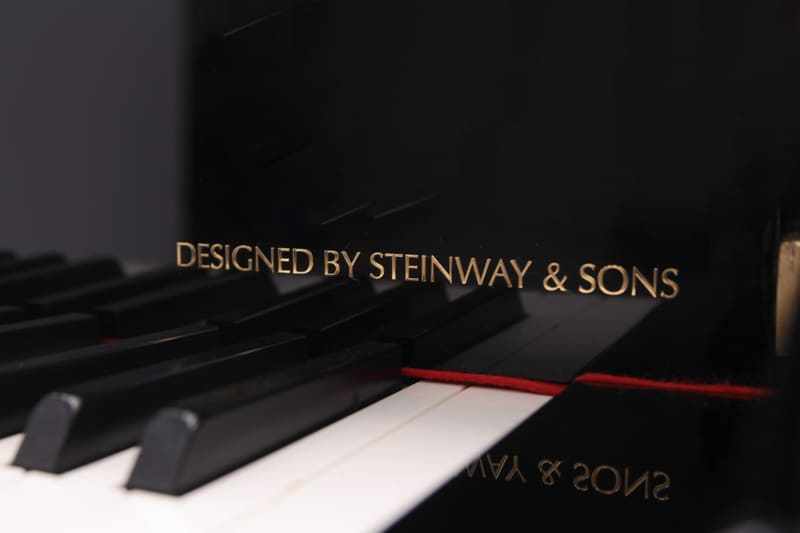 Hinves Pianos