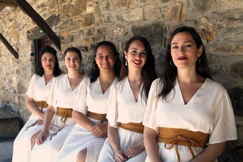 Peregrinajes, mujeres excepcionales y centenarios en Betanzos